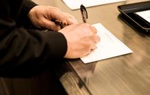 家族葬で受付は必要?任された場合の仕事の流れや注意点を徹底解説