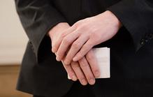 家族葬の喪主挨拶なしはNG!挨拶の例文とタイミングを解説