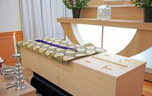火葬で棺に入れるものとは?入れていいもの・いけないものを詳しく解説