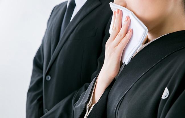 三回忌法要にまつわる挨拶・挨拶状の例文22選【基本的マナーや挨拶の注意点も紹介】