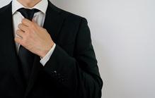 法事の服装はスーツ?喪服?法事別・男女別で注意点を解説