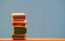 「お悔やみ」のための菓子折りとは?お供え向きの菓子折りの選び方