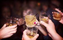 お酒は飲んでも飲まれるな。キリスト教の食事に関する制限
