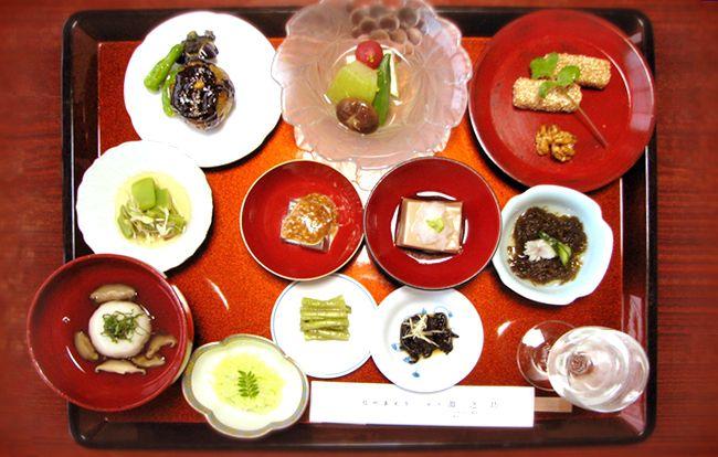 肉と魚を「もどき」でいただく仏教の食事、精進料理について
