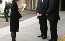 告別式の参列者が遺族にかけるべき挨拶を例文付きでご紹介