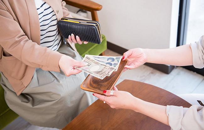 葬儀費用は分割払いが便利!支払い方法や補助制度、相場を徹底解説