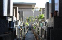 墓石をきれいに保つ正しいお墓掃除のしかた