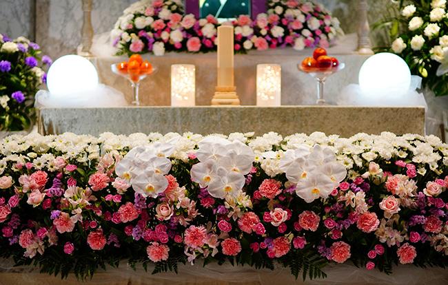 お葬式のマナー!服装・香典・挨拶などのポイントをご紹介