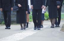 葬式は礼服がマナー!急に礼服が必要なときでも慌てない方法とは