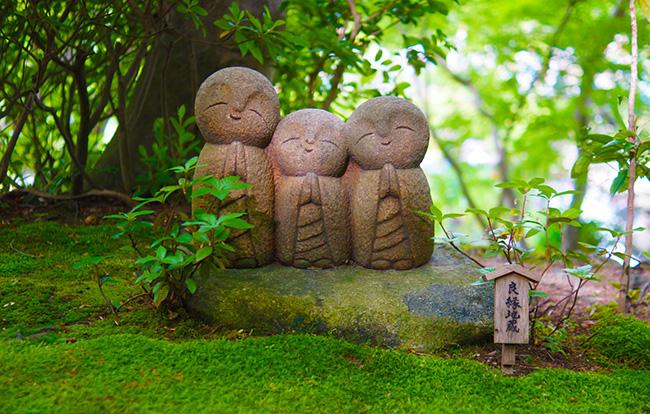 喪中は神社と寺で扱いが異なる!年中行事の対応方法もご紹介!
