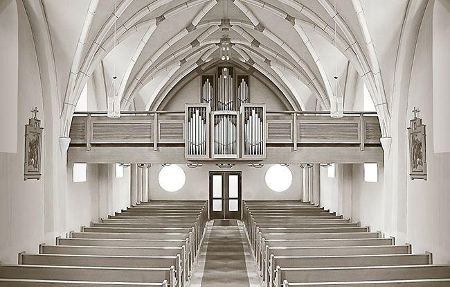 キリスト教の葬儀に参列される方へ 知っておきたい流れとマナー